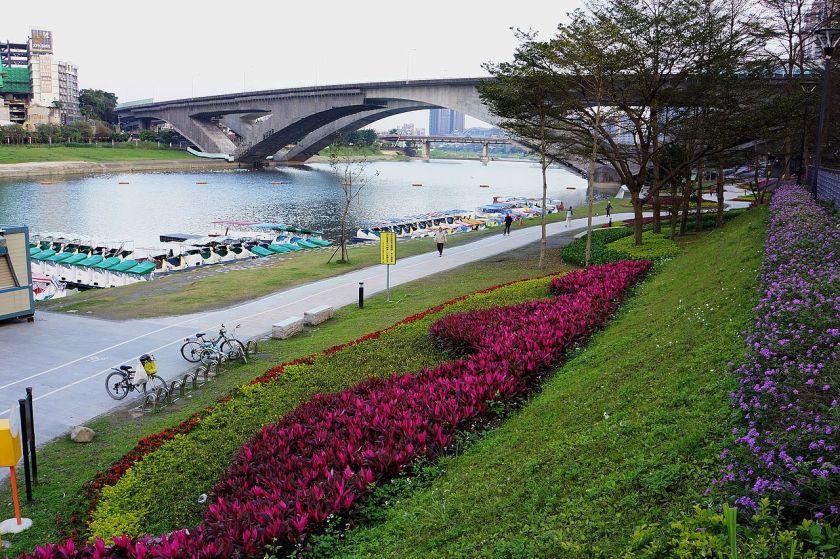 Bitan_Scenic_Area_碧潭風景區_-_panoramio.jpg